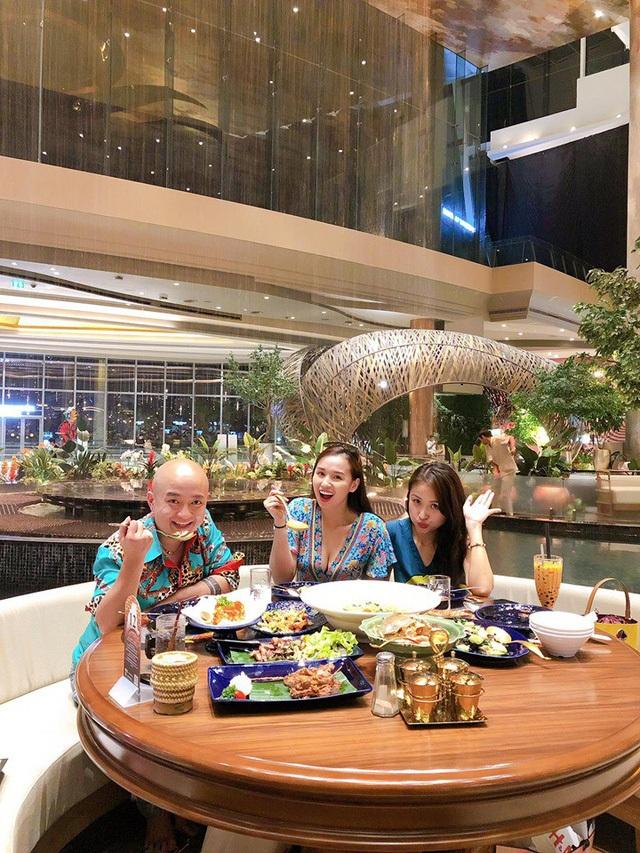 Ở tuổi 34, Lã Thanh Huyền ngày càng sang chảnh bên hội bạn thân - 2