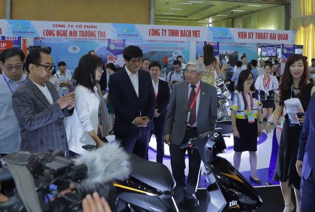 Giới thiệu xe máy điện thông minh kết nối với smartphone tại triển lãm VCCA 2019 - 1