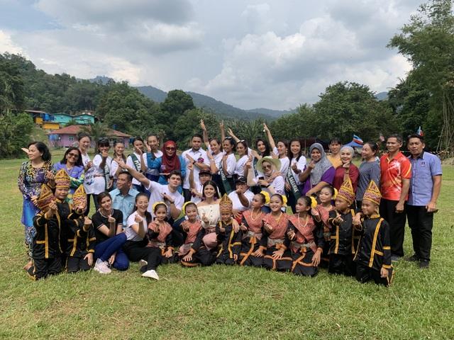 Phương Khánh được Malaysia in tem tôn vinh - 3