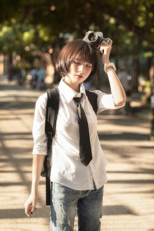 Mang phong cách tomboy, nữ sinh 17 tuổi vẫn đẹp tựa búp bê - 8