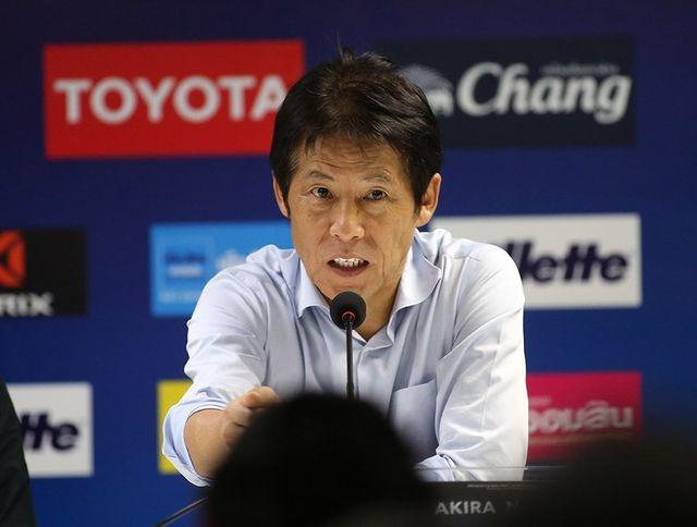 HLV Akira Nishino mất điểm khi ứng xử không đẹp ở trận gặp tuyển Việt Nam - 2