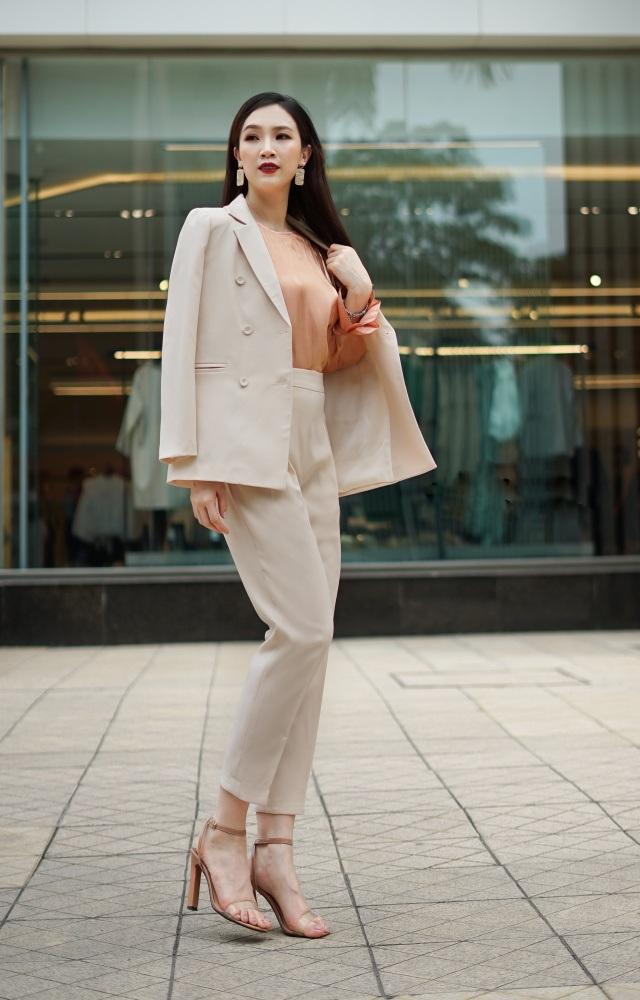 Vóc dáng son trẻ của Hoa hậu Áo dài Phí Linh dù đã là mẹ 2 con - 1