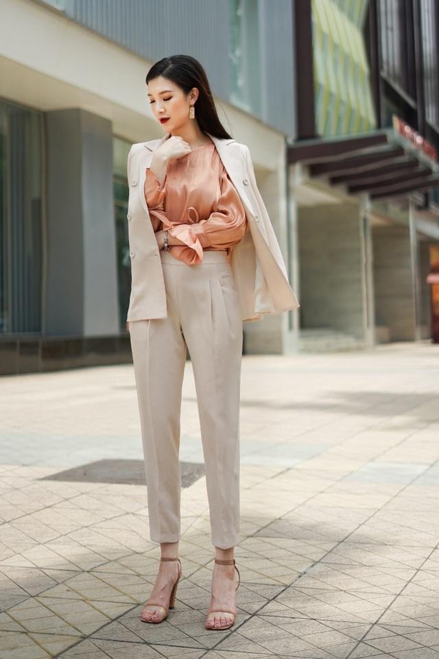Vóc dáng son trẻ của Hoa hậu Áo dài Phí Linh dù đã là mẹ 2 con - 2