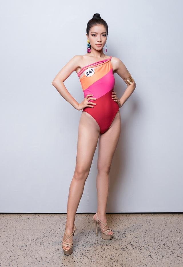 Thúy Vân cùng dàn thí sinh Hoa hậu Hoàn vũ Việt Nam gợi cảm với bikini - 8