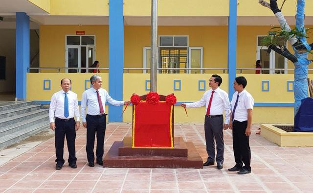 TKV giúp đỡ khánh thành 3 trường tiểu học nhân dịp năm học mới - 4