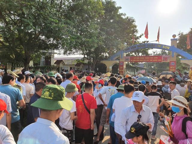Biển người đổ về Lễ hội chọi trâu Đồ Sơn 2019 - 6