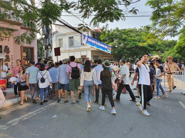 Biển người đổ về Lễ hội chọi trâu Đồ Sơn 2019 - 5