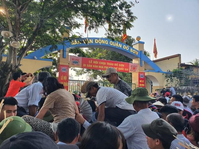 Biển người đổ về Lễ hội chọi trâu Đồ Sơn 2019 - 8