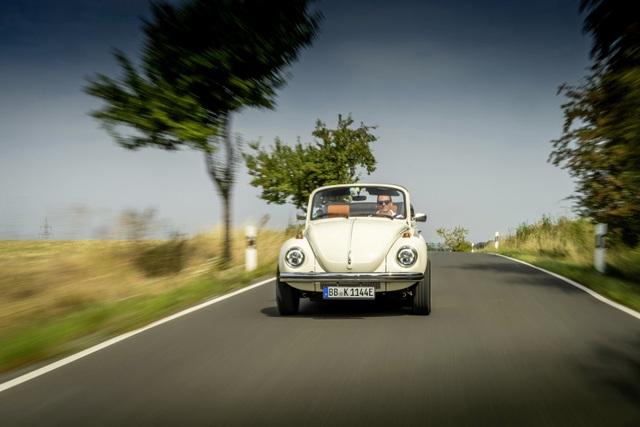 """""""Bọ cánh cứng"""" Beetle tái xuất dưới dạng xe chạy điện - 18"""