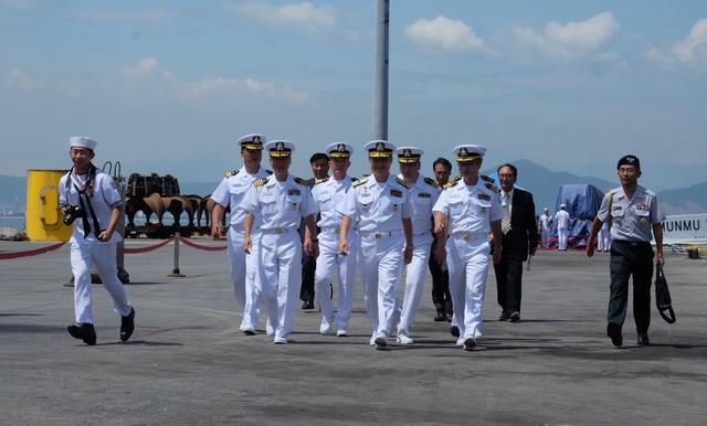 Tàu huấn luyện hải quân Hàn Quốc thăm xã giao Đà Nẵng - 4