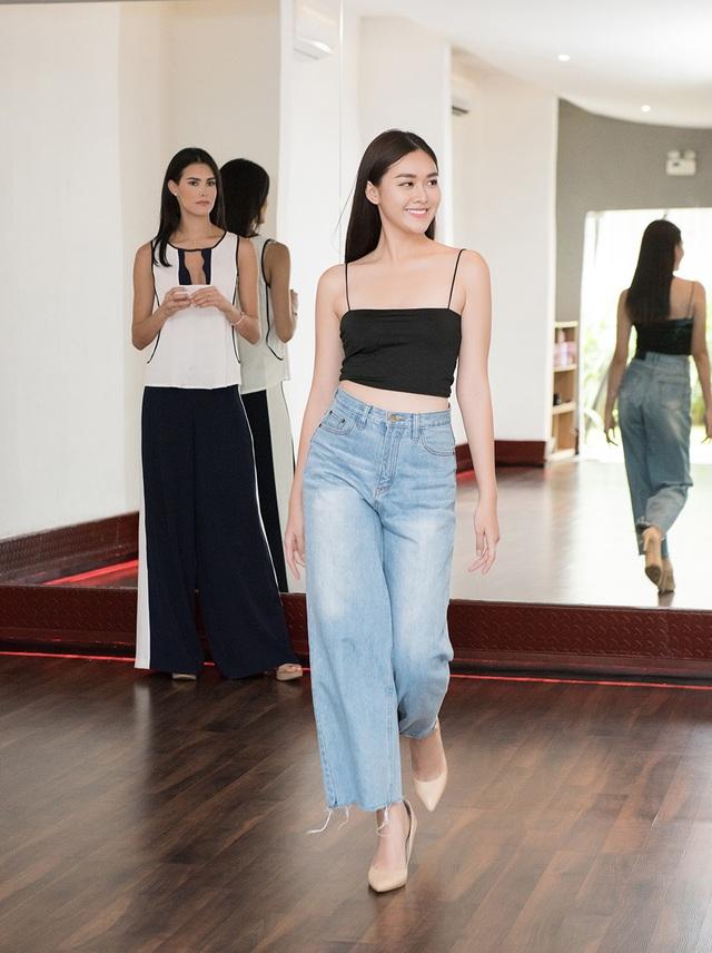 Hoa hậu Quốc tế Mariem Velazco tận tình hướng dẫn Tường San catwalk - 8