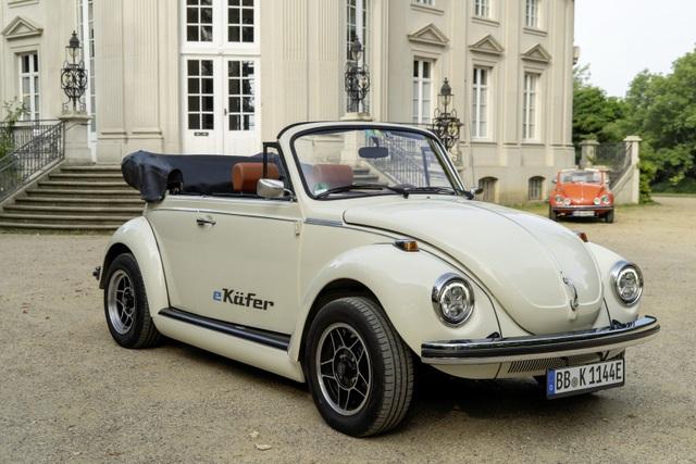 """""""Bọ cánh cứng"""" Beetle tái xuất dưới dạng xe chạy điện - 13"""