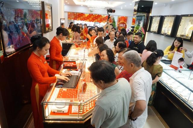 Bảo Tín Mạnh Hải khai trương cửa hàng vàng thứ 4 tại Hà Nội - 5