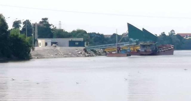 Người dân đã đưa trẻ đến trường đi học sau khi phản đối dự án bãi chứa và bến thủy trên sông - 2
