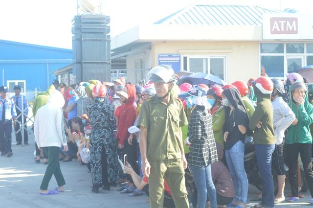 Nghệ An: Gần 1.000 công nhân nhà máy may Wooin Vina đình công - 4