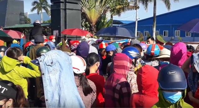 Nghệ An: Gần 1.000 công nhân nhà máy may Wooin Vina đình công - 5