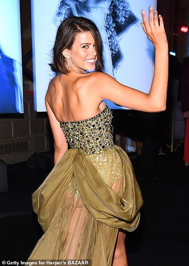Siêu mẫu bạch biến Winnie Harlow nổi bật tại tuần lễ thời trang New York - 10