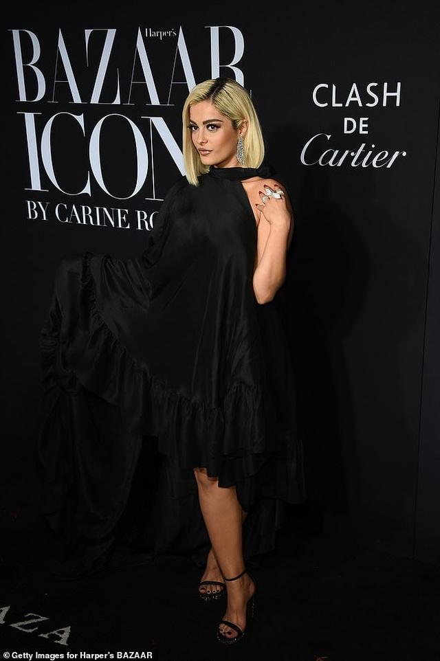 Siêu mẫu bạch biến Winnie Harlow nổi bật tại tuần lễ thời trang New York - 35