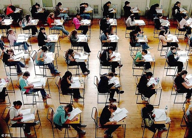 Học sinh nữ có xu hướng làm bài thi dài hơn hai tiếng tốt hơn học sinh nam - 2