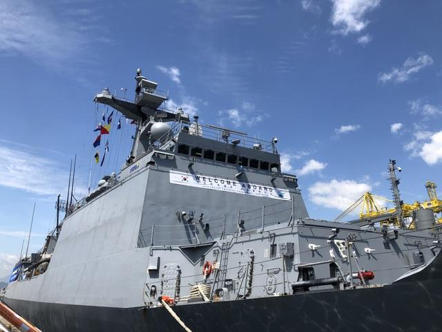 Tàu huấn luyện hải quân Hàn Quốc thăm xã giao Đà Nẵng - 6