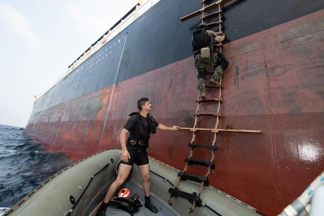 Dàn tàu chiến phô diễn sức mạnh trong diễn tập hàng hải Mỹ - ASEAN - 10