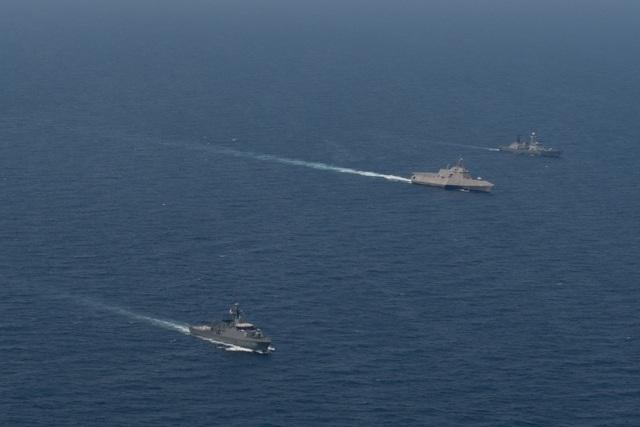 Dàn tàu chiến phô diễn sức mạnh trong diễn tập hàng hải Mỹ - ASEAN - 2