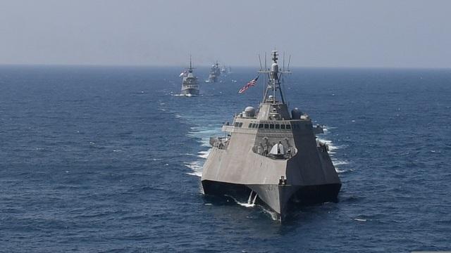 Dàn tàu chiến phô diễn sức mạnh trong diễn tập hàng hải Mỹ - ASEAN - 4