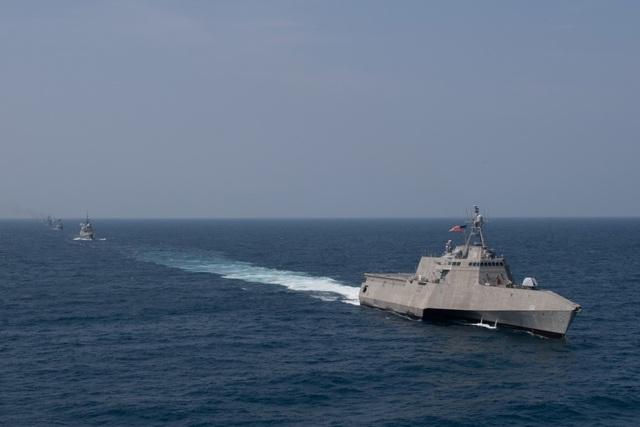 Dàn tàu chiến phô diễn sức mạnh trong diễn tập hàng hải Mỹ - ASEAN - 5