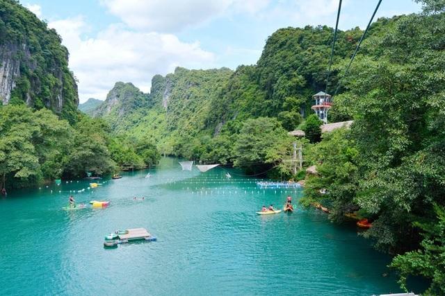 Nhiều điểm du lịch tại Phong Nha – Kẻ Bàng đón khách trở lại sau thời gian tạm nghỉ do mưa lũ - 1