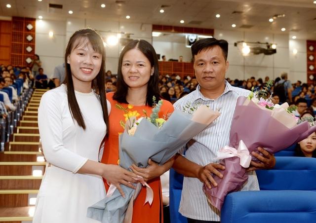 Thủ khoa trường ĐH Kinh tế quốc dân đến từ Ninh Bình với số điểm 29,25 điểm - 4
