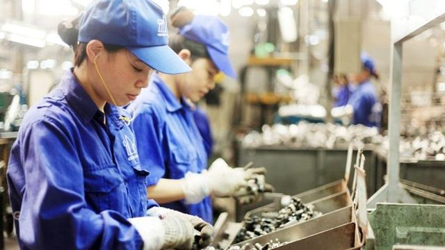 Gần 1.000 công nhân may đình công, thu hẹp còn 2 loại hợp đồng lao động… - 5