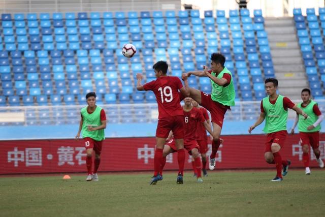 U22 Việt Nam làm quen sân thi đấu, sẵn sàng cho trận gặp U22 Trung Quốc - 7