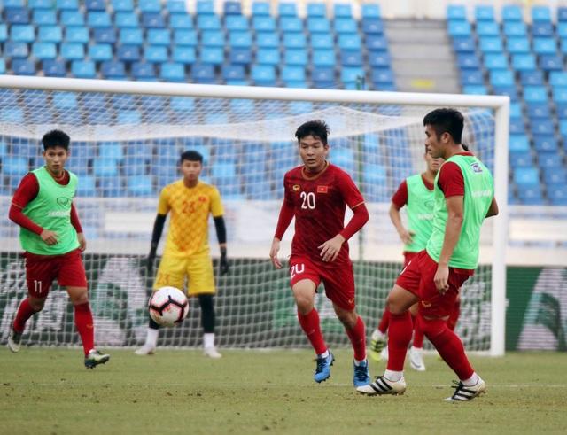 U22 Việt Nam làm quen sân thi đấu, sẵn sàng cho trận gặp U22 Trung Quốc - 8