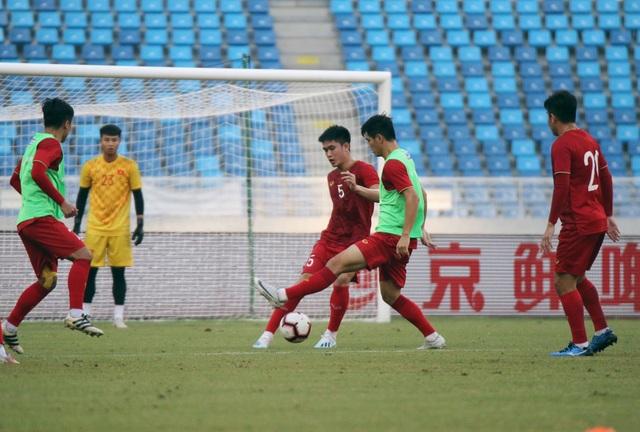 U22 Việt Nam làm quen sân thi đấu, sẵn sàng cho trận gặp U22 Trung Quốc - 9