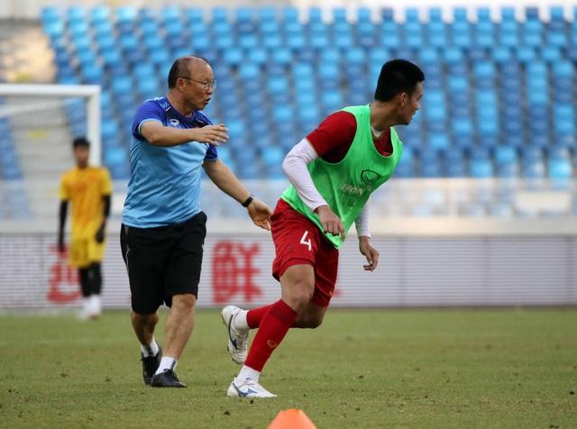 U22 Việt Nam làm quen sân thi đấu, sẵn sàng cho trận gặp U22 Trung Quốc - 3