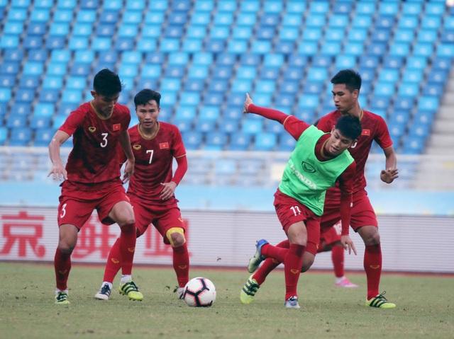 U22 Việt Nam làm quen sân thi đấu, sẵn sàng cho trận gặp U22 Trung Quốc - 10