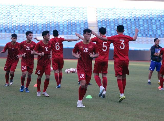 U22 Việt Nam làm quen sân thi đấu, sẵn sàng cho trận gặp U22 Trung Quốc - 11