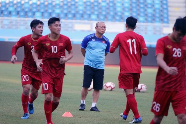 U22 Việt Nam làm quen sân thi đấu, sẵn sàng cho trận gặp U22 Trung Quốc - 5