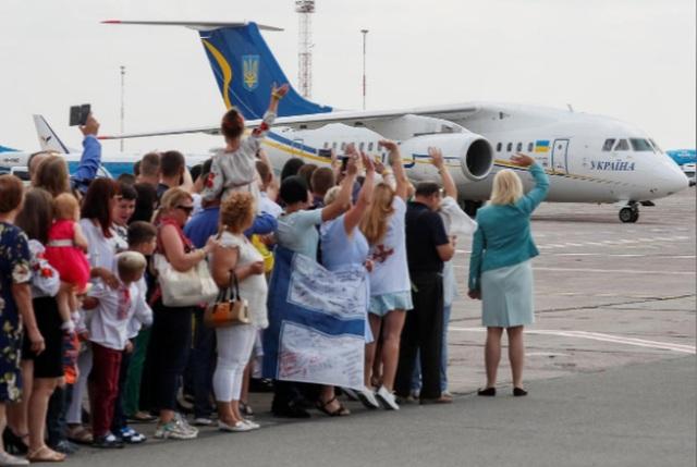 Nga, Ukraine trao đổi 70 tù nhân - 1