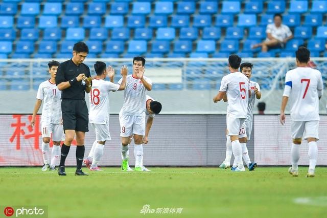 U22 Trung Quốc 0-2 U22 Việt Nam: Cú đúp của Tiến Linh - 6