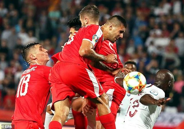 Serbia 2-4 Bồ Đào Nha: C.Ronaldo tỏa sáng - 3