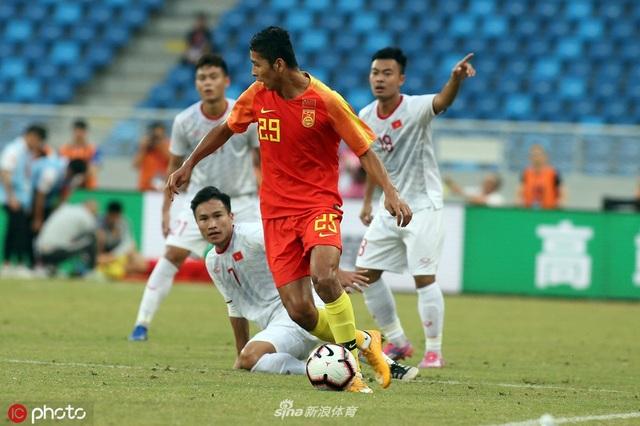 U22 Trung Quốc 0-2 U22 Việt Nam: Cú đúp của Tiến Linh - 2