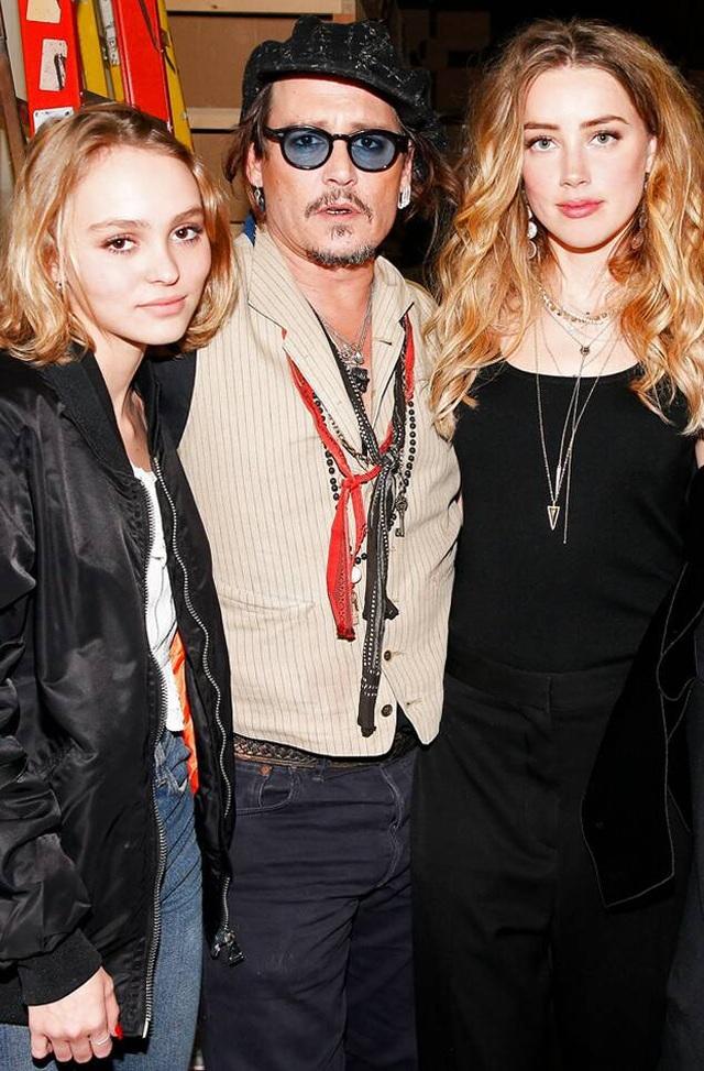 """Con gái Johnny Depp lo sợ mình... """"yêu muộn"""" so với chúng bạn - Ảnh minh hoạ 4"""