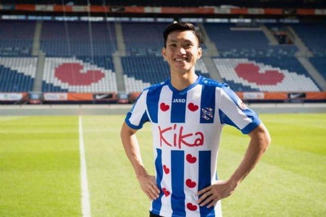 FC Hà Nội xác nhận Văn Hậu nhận lương 450 nghìn euro/năm - 1
