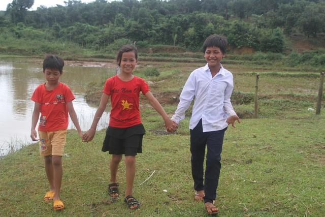 Khen thưởng 3 học sinh dũng cảm cứu người khỏi đuối nước - 2