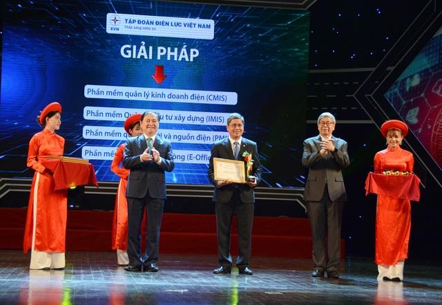 EVN cùng một số đơn vị của ngành điện nhận giải thưởng Doanh nghiệp chuyển đổi số xuất sắc Việt Nam 2019 - 1