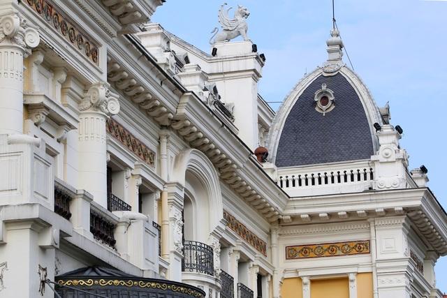 Những di sản kiến trúc còn mãi với thời gian của Hà Nội - 17