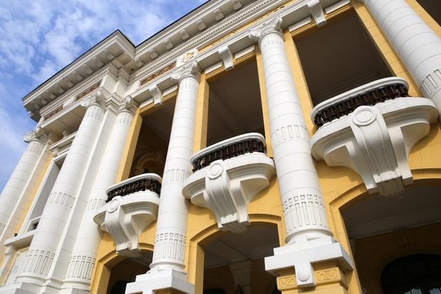 Những di sản kiến trúc còn mãi với thời gian của Hà Nội - 18