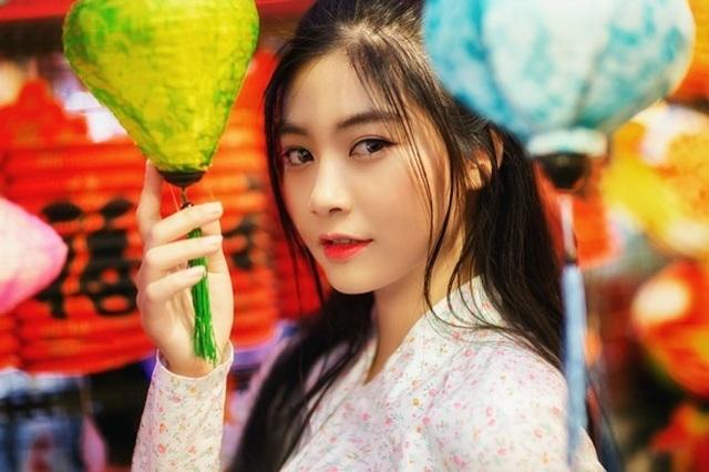 Miss Teen Nam Phương đẹp rạng ngời dạo phố mùa Trung thu - 2