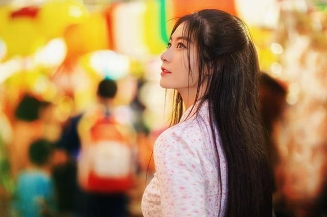 Miss Teen Nam Phương đẹp rạng ngời dạo phố mùa Trung thu - 3